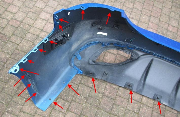 Alfa Romeo Giulia rear bumper attachment points